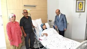 Şehit annesini hastanede ziyaret etti