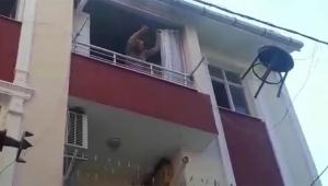 Sinir krizi geçiren kadın evi yakıp eşyaları attı