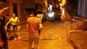Sokak ortasında uzun namlulu silahlarla kavga