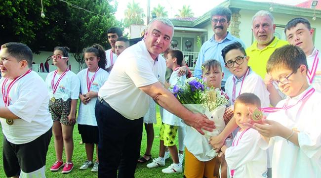TSYD'den özel çocuklara özel ödül