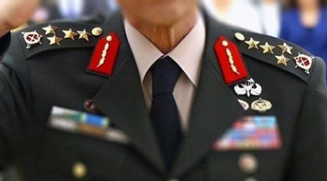 5 general istifa mı etti?