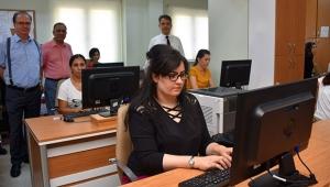 Adana Adliyesinde '10 parmak' sınav heyecanı
