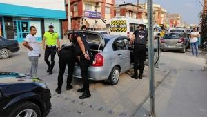 Adana'da polisin yoğun mesaisi sürüyor