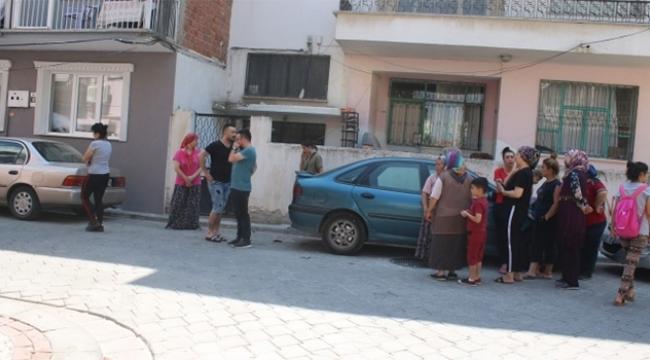 Boşanmak üzere olduğu eşini sokak ortasında bıçakladı