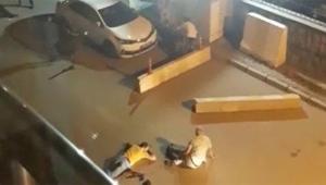 Emniyet önünde silahlı kavga 2 ölü 6 yaralı