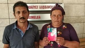 Genç kız annesinin yanında zorla kaçırıldı