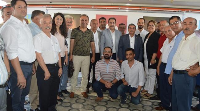 İYİ Parti halkla kucaklaştı