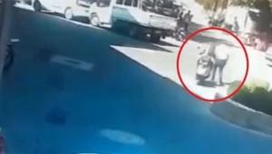 Kadın sürücü aynı kişiye iki kere çarptı