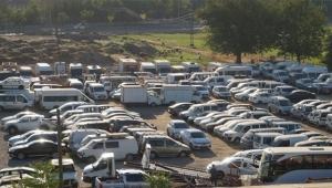 Milyonluk araçlar çürümeye terk edildi