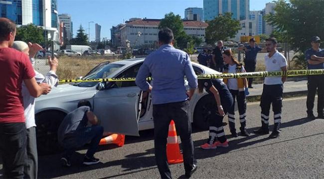 Park halindeki otomobilde kanlı infaz