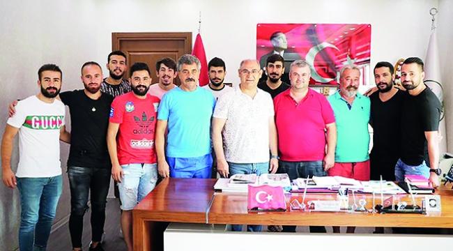 Pozantıspor'da imza fırtınası