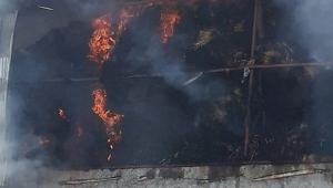 Saman deposunda korkutan yangın