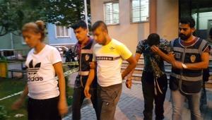 Uyuşturucu husumeti için ev basıp adam bıçakladılar