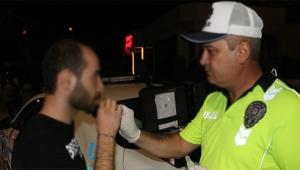 Adana polisi sürücülere uyuşturucu testi yaptı