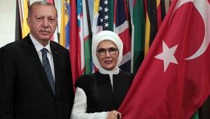 Erdoğan ve Emine Erdoğan'dan hatıra fotoğrafı