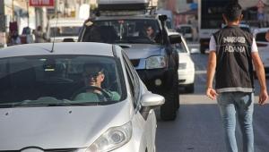 Narkotik polisi Adana'da uygulamalarını sürdürüyor