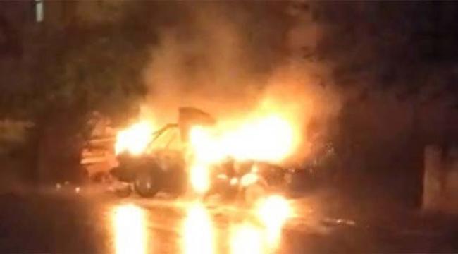 Park halindeki bir araçta yangın çıktı