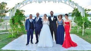 Rüya gibi bir düğünle dünya evine girdiler