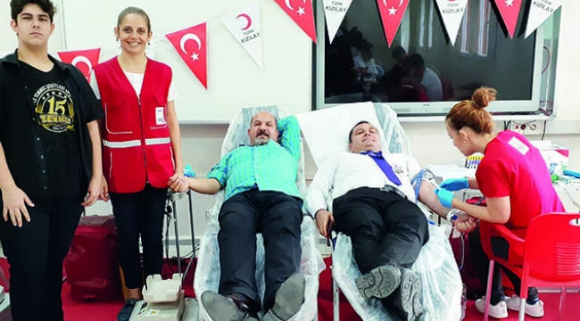 15 Temmuz Şehitleri Anadolu Lisesi kan bağışında bulundu