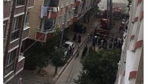 Çatı katında çıkan yangın nedeniyle panik yaşandı