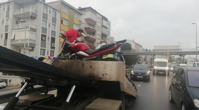 E-5'te olan kaza trafiği kilitledi