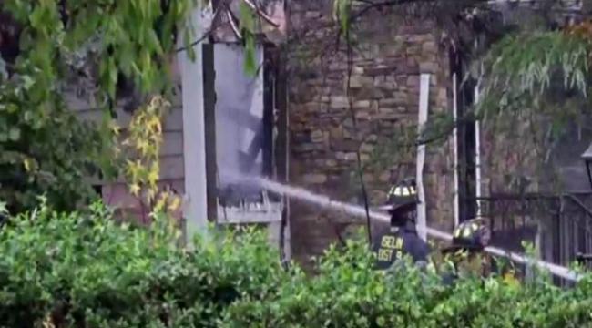 Evin üzerine uçak düştü: 1 ölü