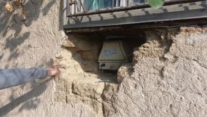 Hırsızlar evin duvarını delerek hırsızlık yaptılar