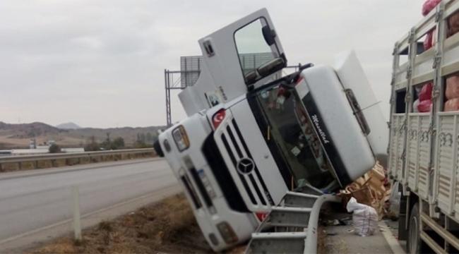 Kontrolden çıkan kamyon