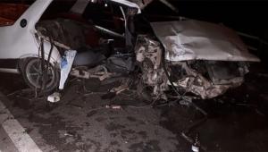 Otomobil korkuluklara çarptı ölü ve yaralılar var