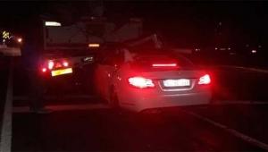 Otomobil tırın altına girdi sürücü hayatını kaybetti