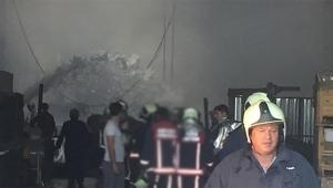Sanayi bölgesinde bir fabrikada yangın çıktı