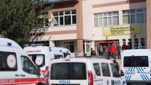 5 öğrenci zehirlenme şüphesiyle hastaneye kaldırıldı