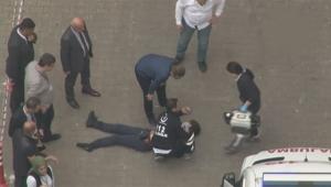 Çatıdan düşerek ağır şekilde yaralandı