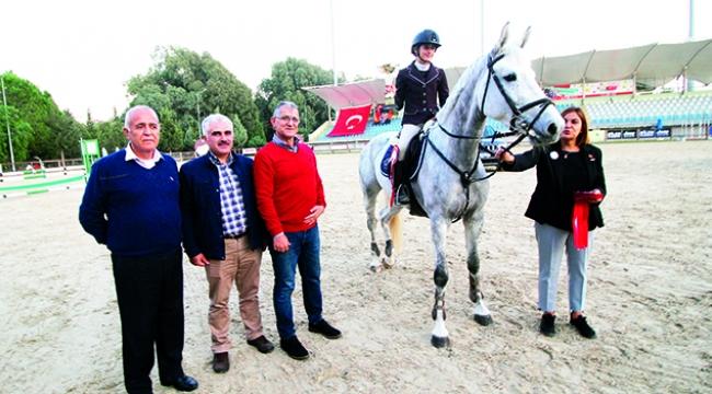 Ela Jansel Genel şampiyon