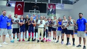 Gazeteci Utku Sağılır'dan kadın basketbolculara 'Derin Çığlık' kitabı