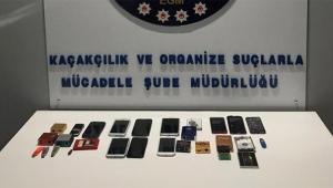 Gümrük kaçağı telefon satıcılarına operasyon