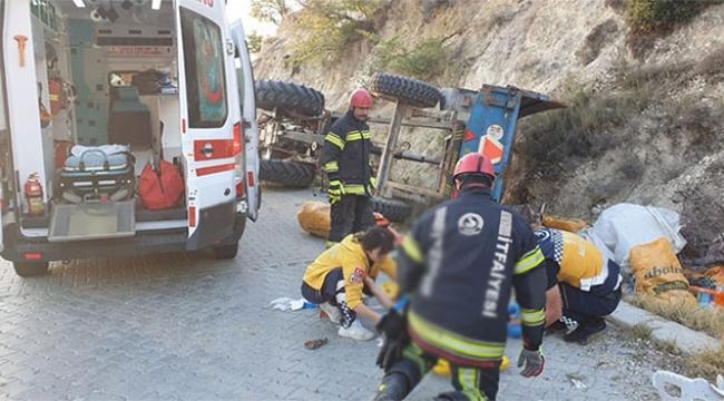 İşçileri taşıyan traktör devrildi: 9 yaralı