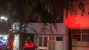 Madde bağımlısı şahıs evini ateşe verdi