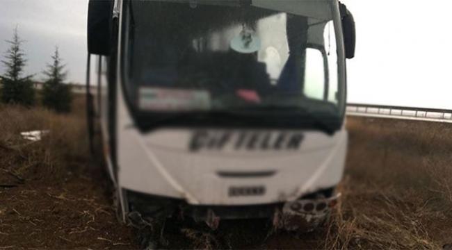 Öğrenci ve öğretmenleri taşıyan minibüs şarampole düştü
