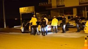 Polis şok uygulamada esrar ele geçirdi