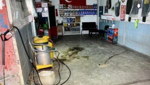 Şiddet gördü eşinin dükkanını molotofladı