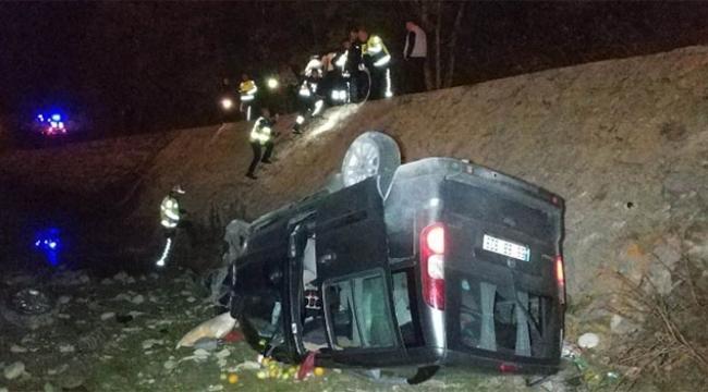 Sürücü rahatsızlandı kamyonet uçurumdan yuvarlandı
