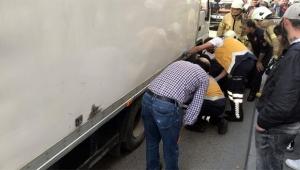 Yaşlı kadın kamyonetin altında can verdi