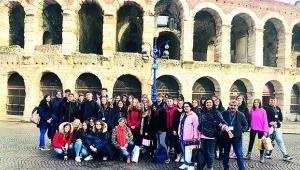 Abbas-Sıdıka Çalık Anadolu Lisesi İtalya'da Türkiye'yi tanıttı.