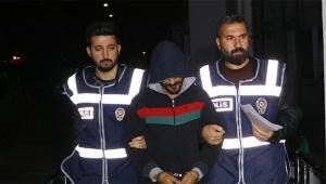 Adana'da firarilere şafak baskını