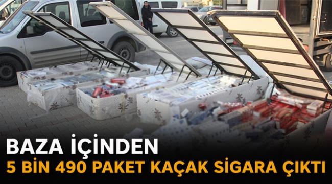 Baza içinden 5 bin 490 paket kaçak sigara