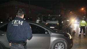 Adana'da terörle mücadele polislerinden asayiş uygulaması