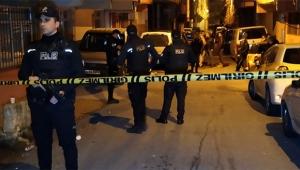 İki apartmanın kapısına el yapımı patlayıcı atıldı
