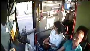 Otobüste facia