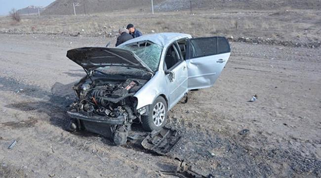Otomobil yoldan çıktı: 2'si çocuk 4 yaralı